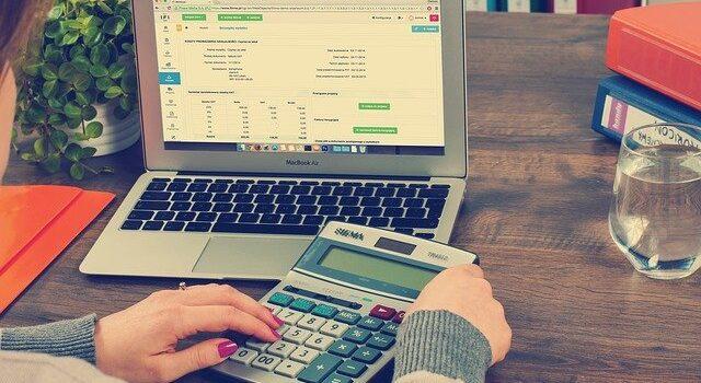 Podatek VAT. Czyopłaca się być VATowcem?